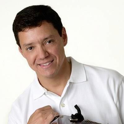 Además de compositor el artista vallenato es médico y se ha destacado en el mundo de las ciencias.
