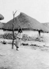 Niña indígena arhuaca, castigada por los capuchinos