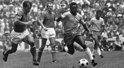 El rey Pelé en la final de Brasil versus Italia en el Mundial de México 1970