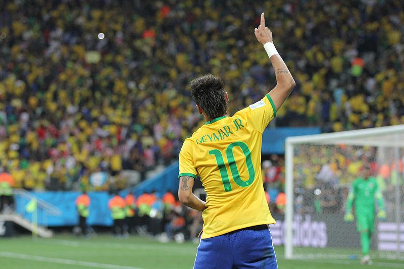 Neymar celebrando un gol, en el partido de inauguración de la Copa Mundial de Fútbol 2014.