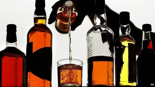 Uno de los productos de exportación más grandes de Escocia, el whisky impulsa su producto interno bruto.