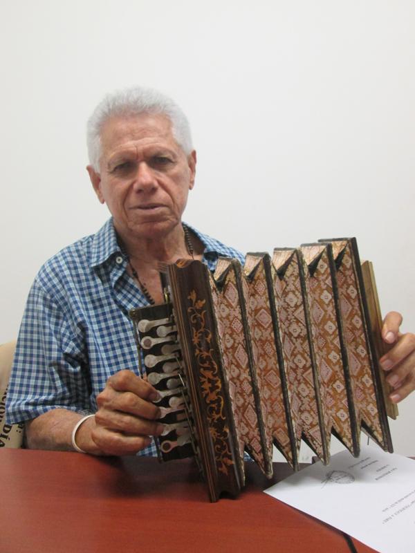 Chelito de castro acordeon latino dating