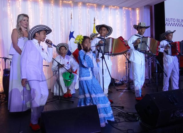 Los Niños del vallenato de la Escuela Rafael Escalona en Panamá