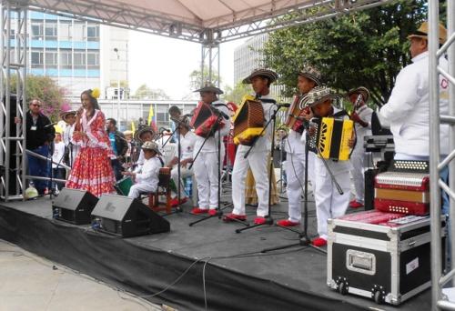 Acto apertura Caminata de la Solidaridad Por Colombia