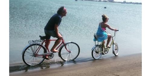 shakira_y_carlos_vives_la_bicicleta_6_0