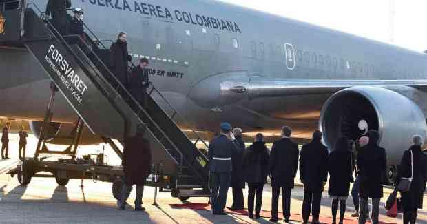 Acompañado por su esposa, María Clemencia Rodríguez, el Presidente Juan Manuel Santos llega a Oslo para recibir el Premio Nobel de Paz 2016.