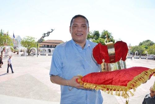 Esta es la corona que recibirá el cuarto rey de reyes del Festival Vallenato. La obra es diseñada por Walter Arland y fue presentada ayer ante los medios de comunicación.