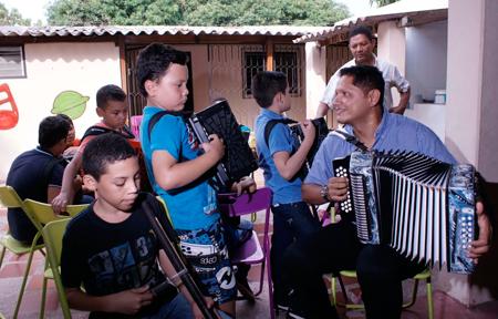 Los Niños Vallenatos de la Academia Musical Dinastía Romero y Tambores de San Marcos, serán las agrupaciones de Valledupar que representarán al Cesar en la versión 31 del Festival Nacional de la Música Colombiana.