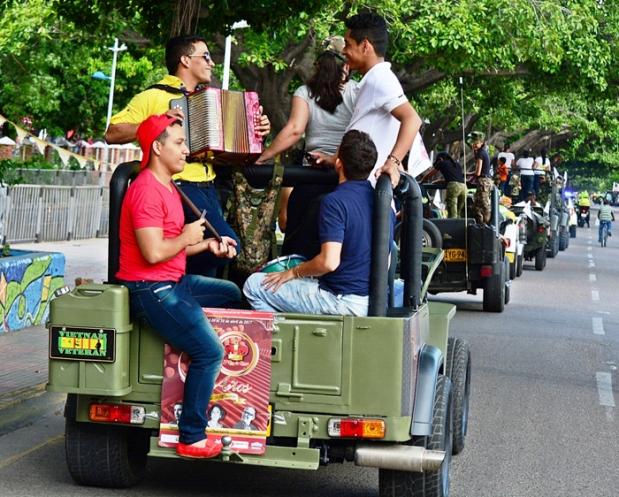 Caravana Jeeps Willys Parranderos Foto FFLV