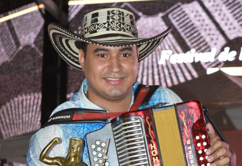 REY-AFICIONADO-DANIEL-HOLGUINJOAQUIN-RAMIREZ-2