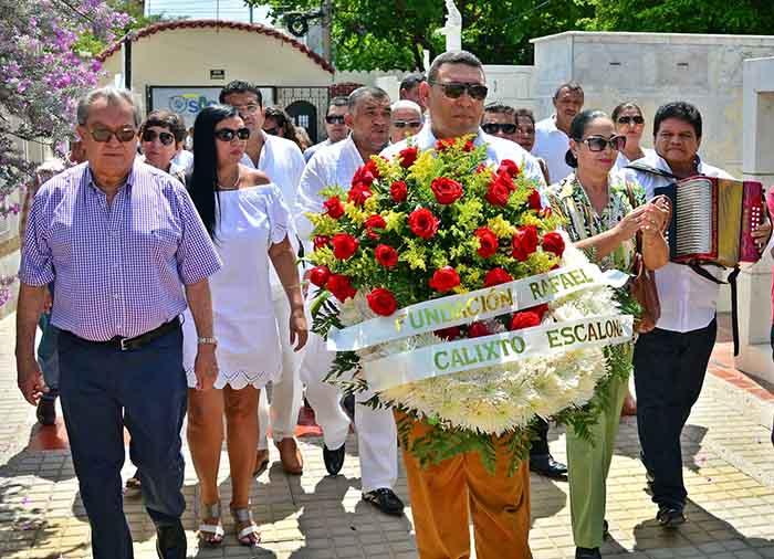 Ofrenda floral maestro Escalona 1