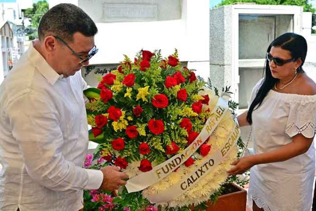 Ofrenda floral maestro Escalona 2