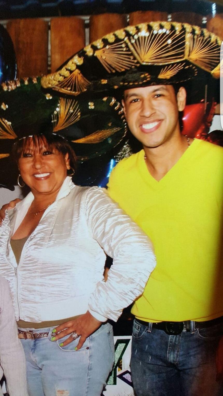 Patricia Acosta y su hijo Martín Elías
