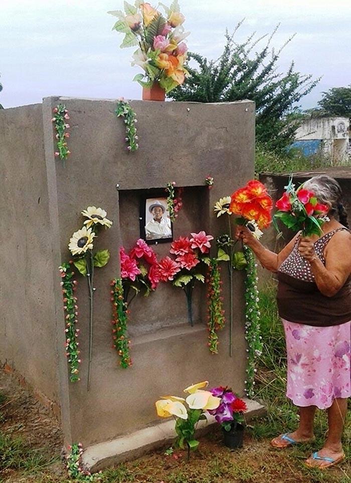 Tumba de Lorenzo Morales en Guacoche, Cesar - Foto Albert Castilla