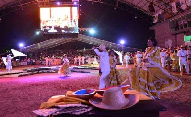 Piloneras lanzamiento 51 Festival Vallenato en Valledupar