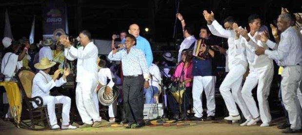 Silvio Brito cantando 'Ausencia sentimental', lanzamiento Festival Vallenato en Valledupar