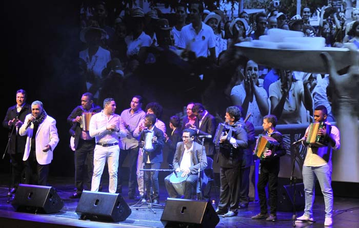 Delegación vallenata ineterpretando 'Ausencia sentimental' - Lanzamiento Bogotá