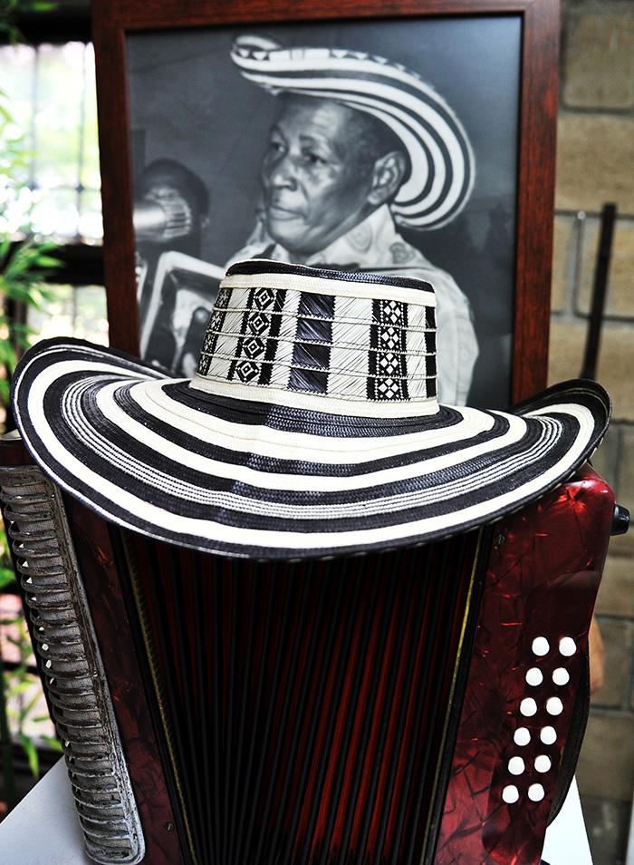 El sombrero que siempre identificó al juglar Alejo Durán