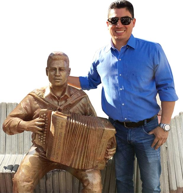 Julián Mojica tiene su propio monumento por haberse coronado como Rey Vallenato-1