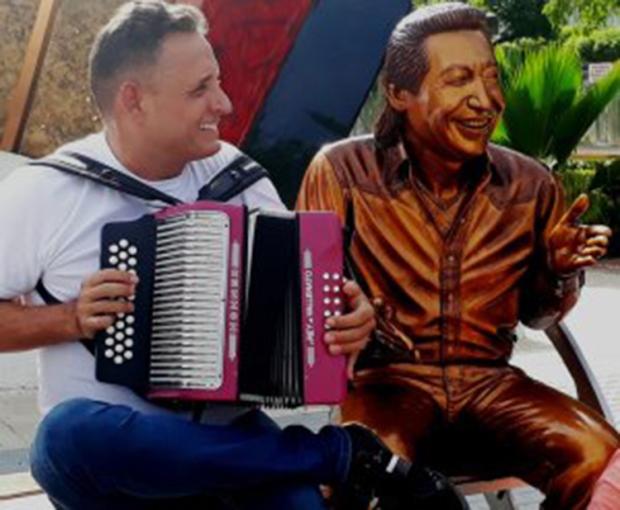 El-Rey-Vallenato-Julián-Rojas-no-se-cansa-de-sonreír-porque-nota-que-Dios-cambió-su-vida-Foto-Juan-Rincón-Vanegas