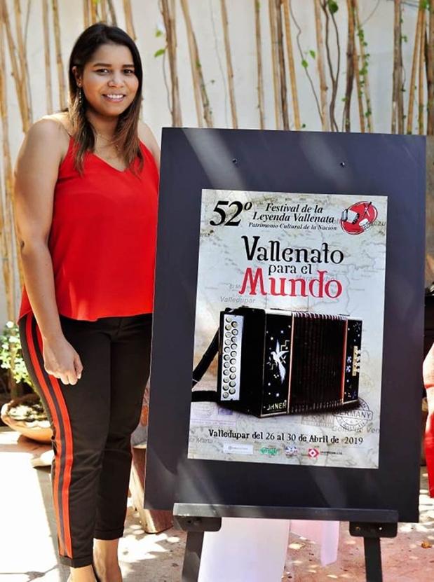 Geannina Torres Viloria, diseñadora ganadora de la convocatoria del afiche promocional del 52 Festival de la Leyenda Vallenata