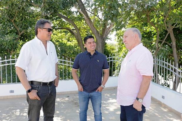 El Rey Vallenato 2018 Julián Mojica, dialoga con Rodolfo Molina Araújo y Efraín Quintero Molina, Presidente y Vicepresidente de la Fundación Festival de la Leyenda Vallenata, respect